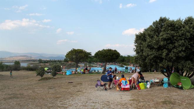 Un d a en las piscinas naturales de riosequillo en for Piscinas naturales de buitrago precios