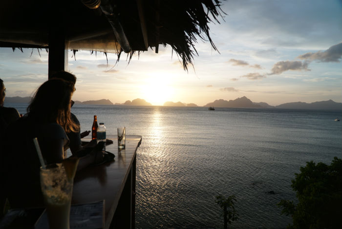 atardecer-bar-republica-Elnnido