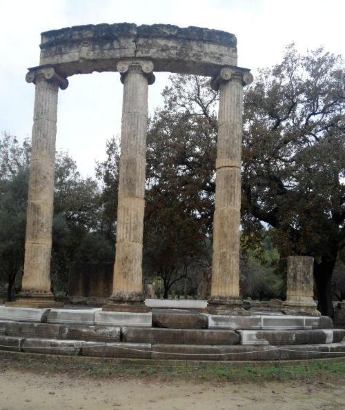 monumento-filipo-olimpia-grecia