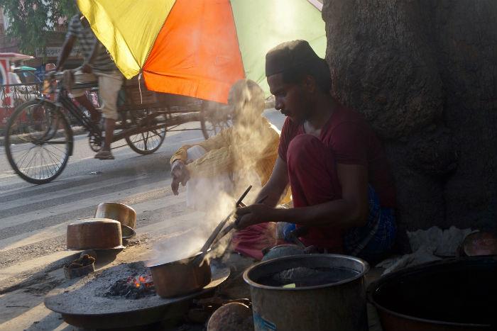 hombre-calle-india