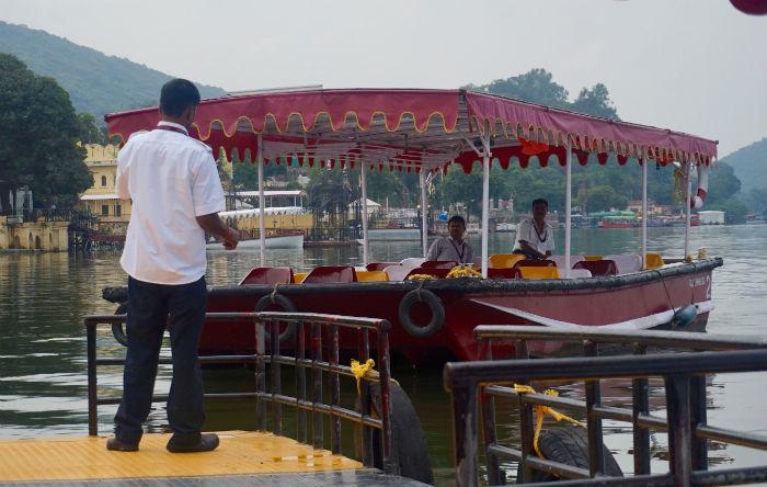 barqueros-udaipur 2