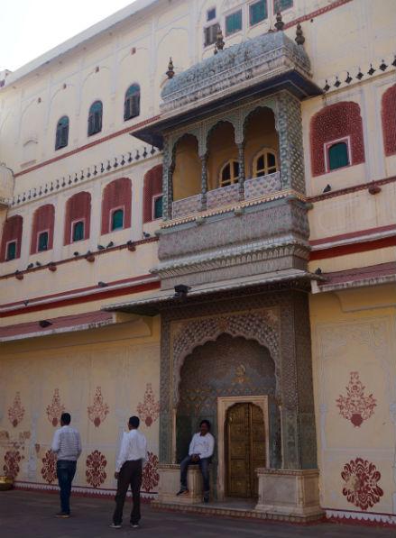 puerta-palacio-ciudad