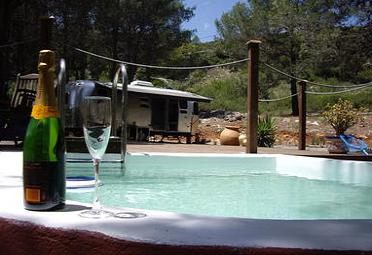 Lo último es el Glamping: Glamour + Camping (en España)