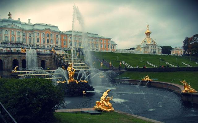 palacio-Petrodvoréts