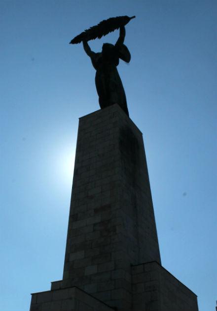 EstatuaLibertadBudapest