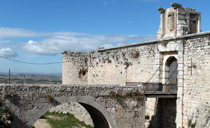 castilloCondeschinchon