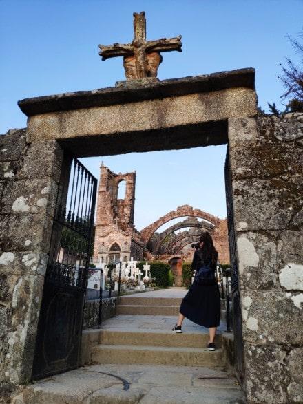 restos-iglesia-santa-maria-cambados