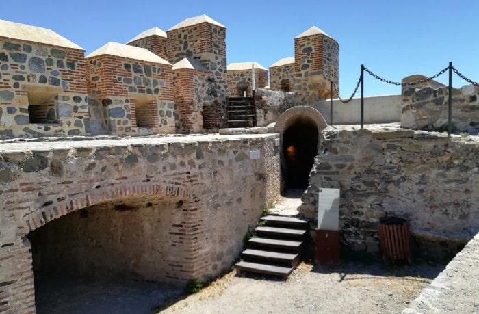 castillo-interior-almunecar