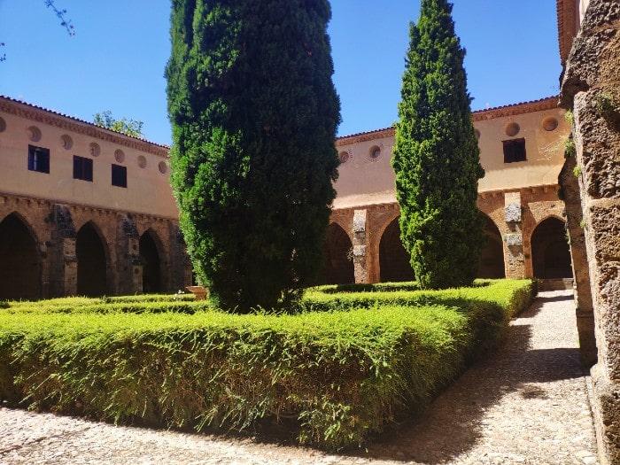 monasterio-piedra-claustro