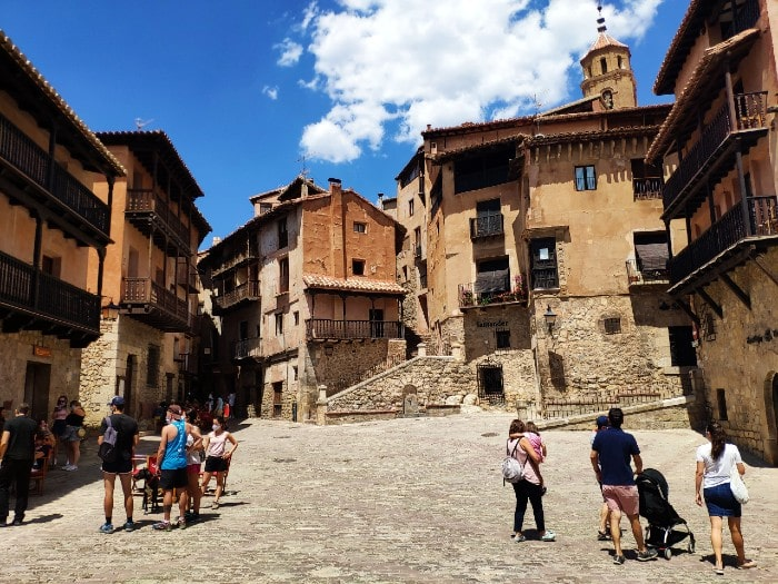 plaza-mayor-albarracin