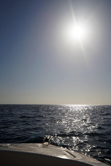 barco-sin-licencia-ancho-mar